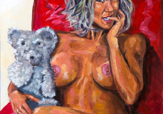 brandi-love-cradling-her-teddy-bear-web-570x400